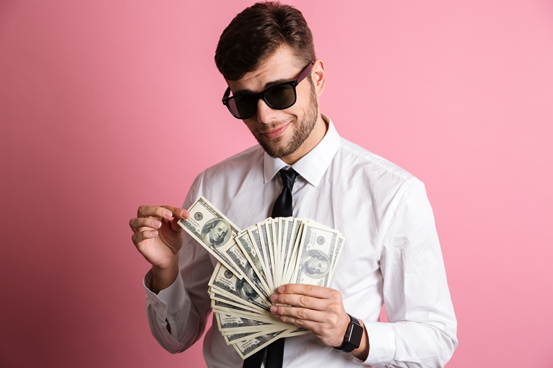 Nãy tạo áp lực bị đòi nợ cùng lúc để con nợ trả tiền sớm cho bạn