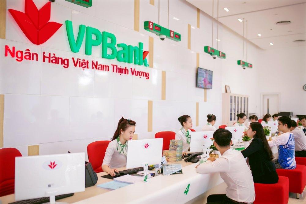 giờ làm việc ngân hàng vpbank