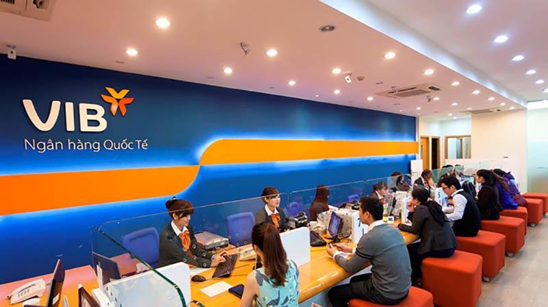 Phân cấp tổ chức ngân hàng dưới hội sở còn có chi nhánh, phòng giao dịch, sở giao dịch