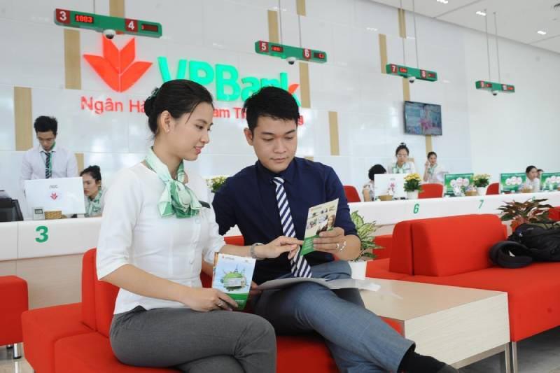 Ngân hàng Việt Nam Thịnh Vượng cung cấp dịch vụ cho khách hàng cá nhân, hộ kinh doanh và các doanh nghiệp