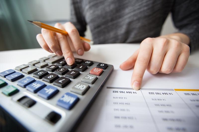 , số tiền lãi mỗi tháng bạn phải thanh toán là một con số cố định từ đầu cho đến khi thanh toán hết tiền gốc cho ngân hàng.