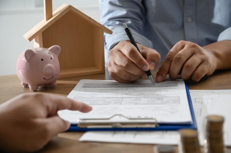 Trước khi ký kết hợp đồng vay tiền ngắn hạn các bạn cần xem xét kỹ lưỡng các điều khoản về lãi suất và thanh toán